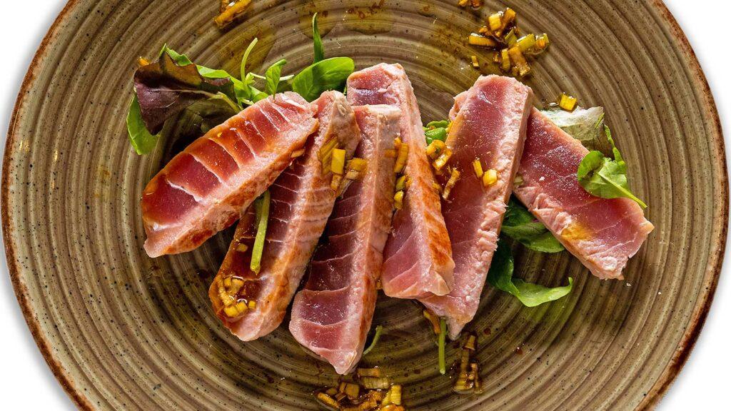 Tartare di Tonno Utopia: ristorante di pesce in provincia di Padova. Specialità di pesce, il ristorante consegna a domicilio a Padova. Scopri il Menù a domicilio.