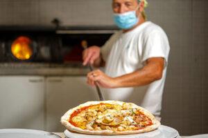 ristorante consegna a domicilio a Padova: Utopia porta piatti di pesce raffinati e gustosi a casa tua. Pizza solo al tavolo.
